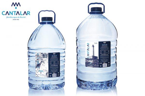 garrafas de 5 y 8 litros de agua de cantalar